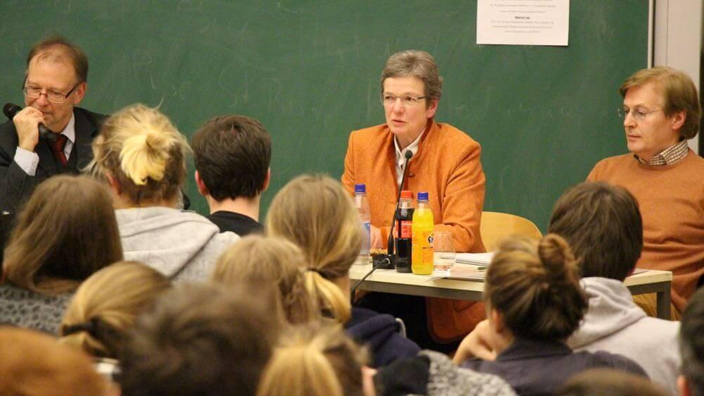 Dr. Helga Köhler im Gespräch