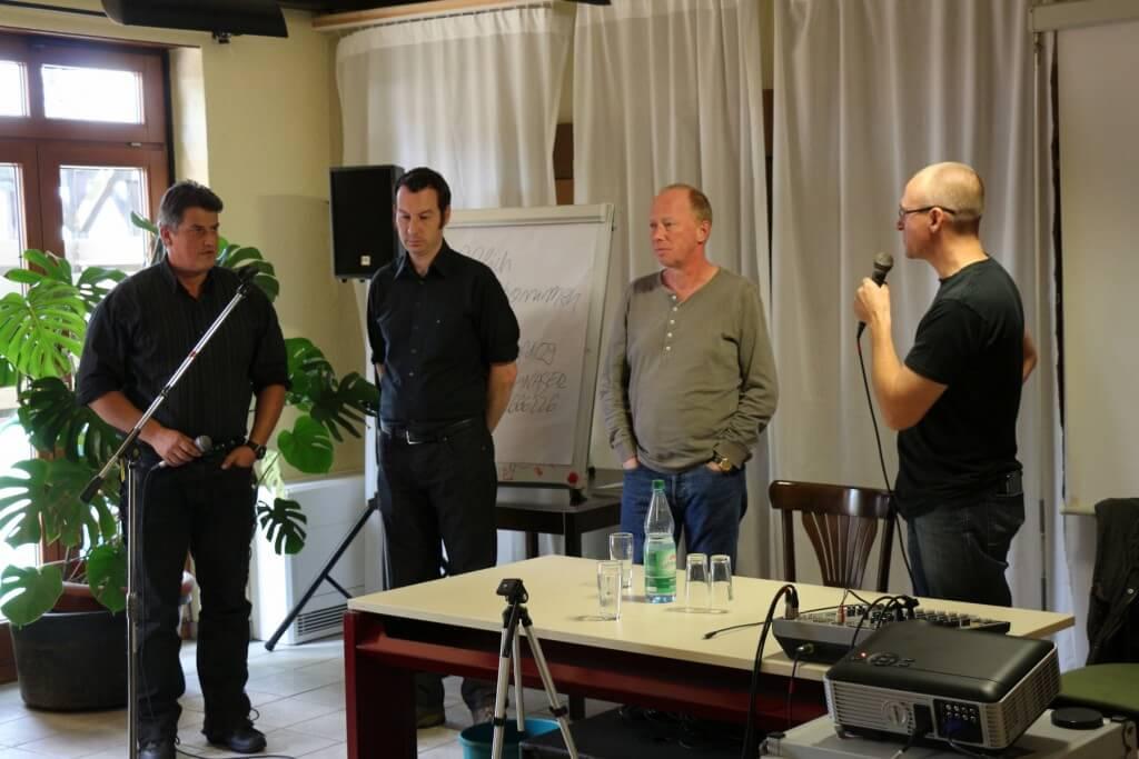 DHV Hanflobbyisten: Mitgliedertreffen 2014 mit Frank Tempel, MdB, Mitarbeiter des Bundestags Tilmann Holzer, Die Grünen und Jugendrichter Andreas Müller neben Georg Wurth.