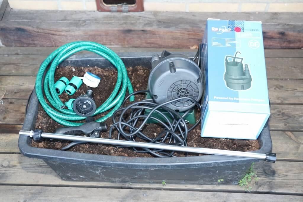 Handbewässerungsset mit Gießstab und Pumpe