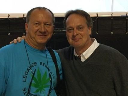 Cerveny links als treibende Kraft für das Volksbegehren mit Mark Emery, Canada