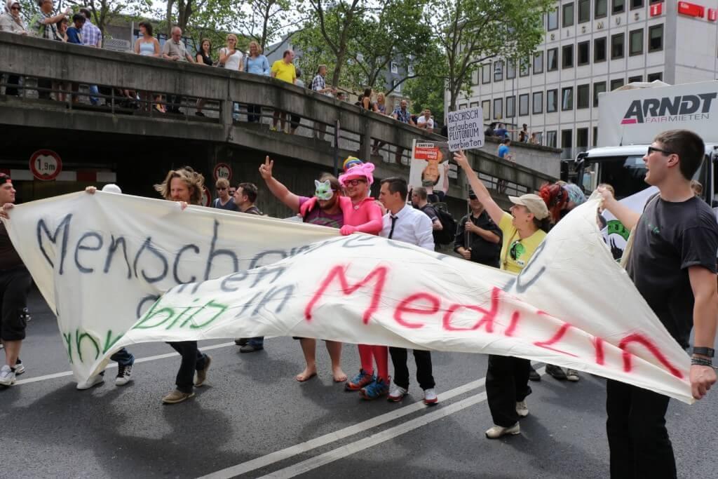 Beachtung nicht nur durch rosarote Heiratswillige, was kommt auf der Dampfparade 2015?