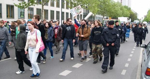 Hanfdemos haben teils mehr Polizisten als Demonstranten! Droht Gefahr?