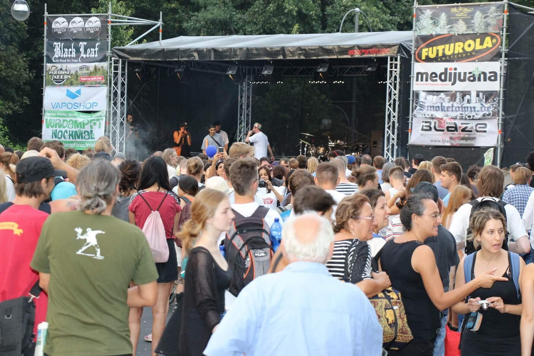 Dinafem Bühne für Redner und Musiker