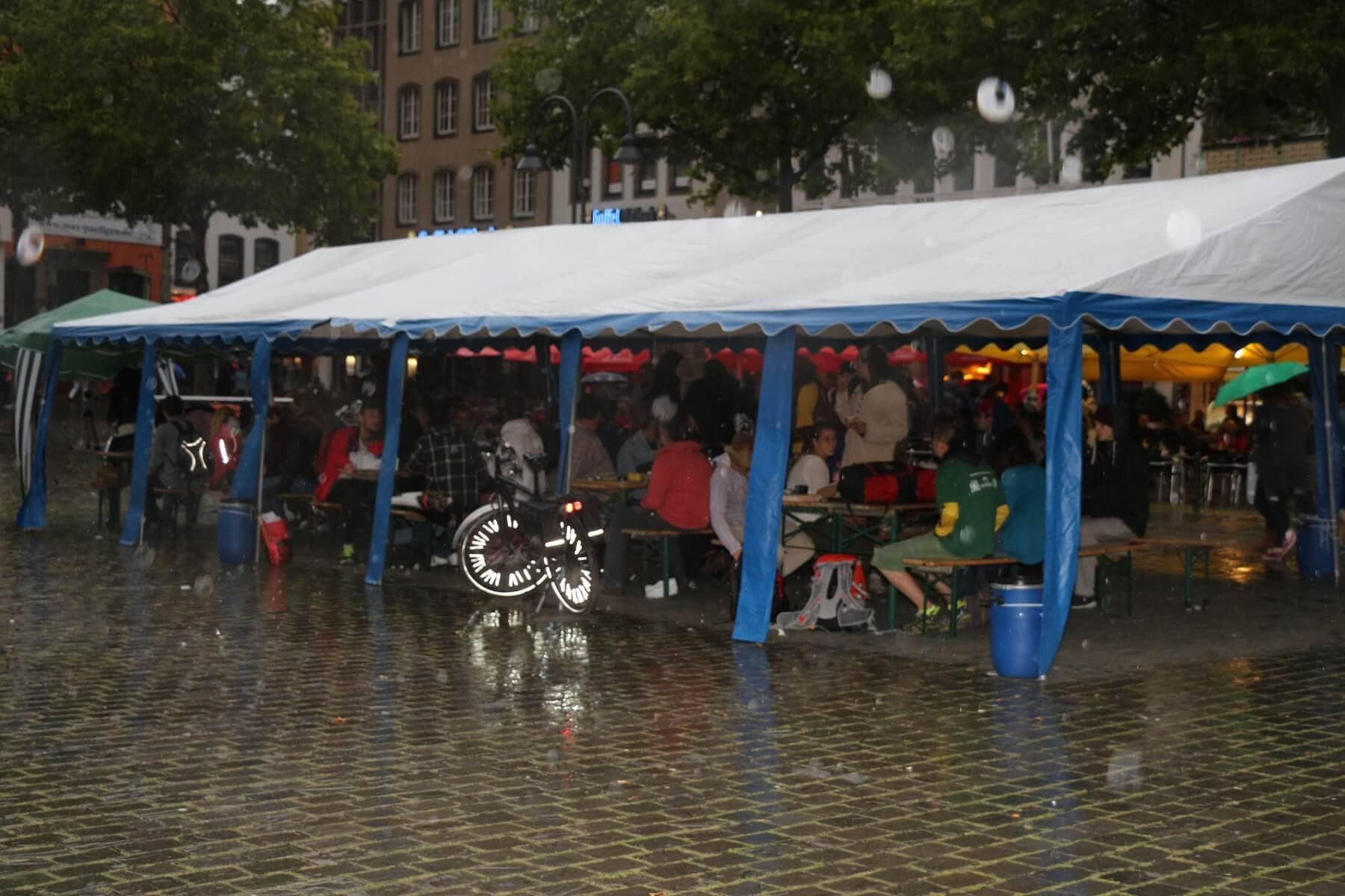 Trotz Regen gute Stimmung bis 22 Uhr