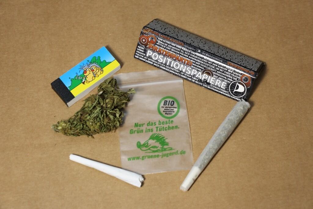 Durch die Positionspapiere mit Cannabis im Clubs auffallen