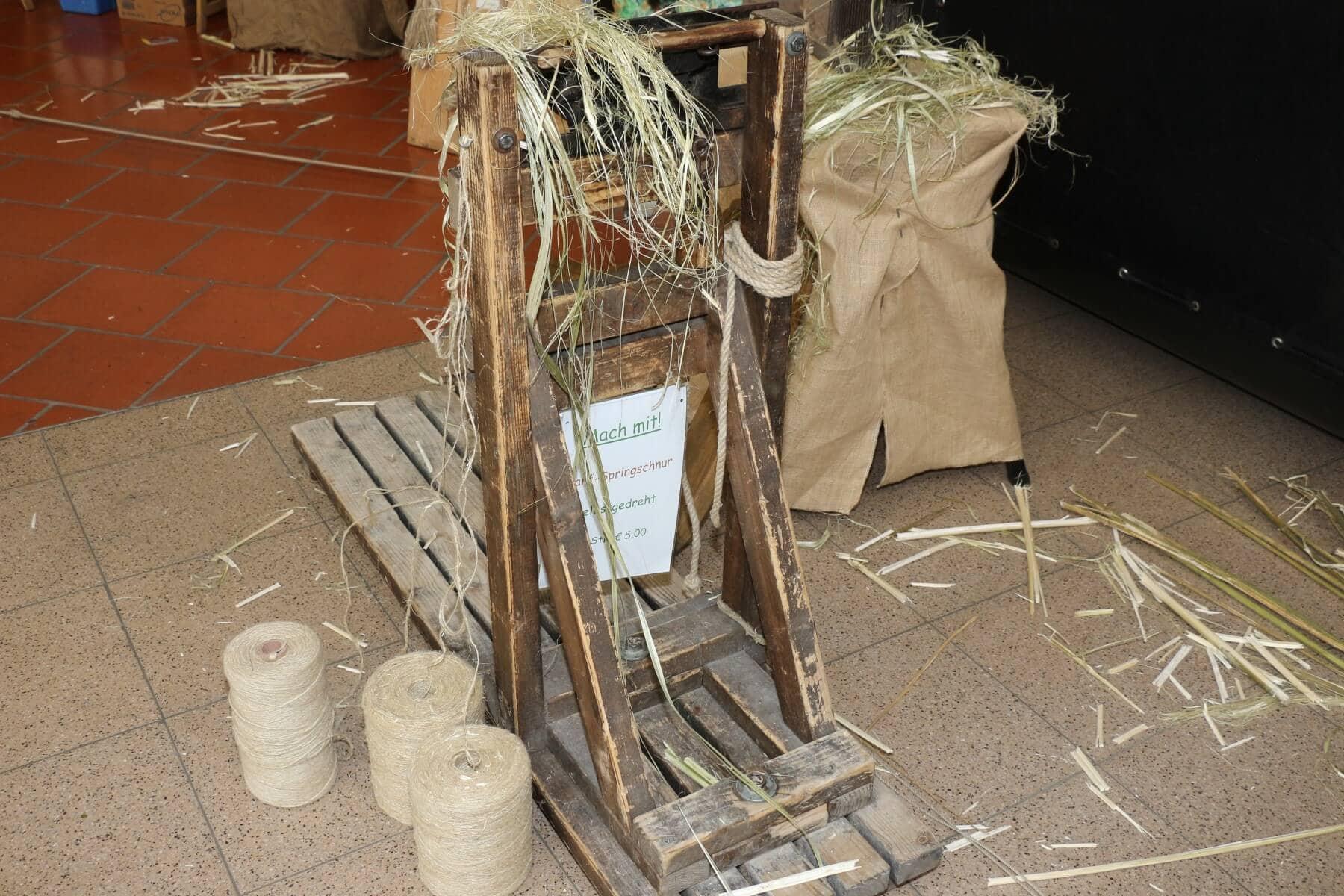 Geräte, um die Kulturpflanze Hanf zu verarbeiten