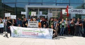 Patienten gegen die Bundesopiumstelle in Bonn