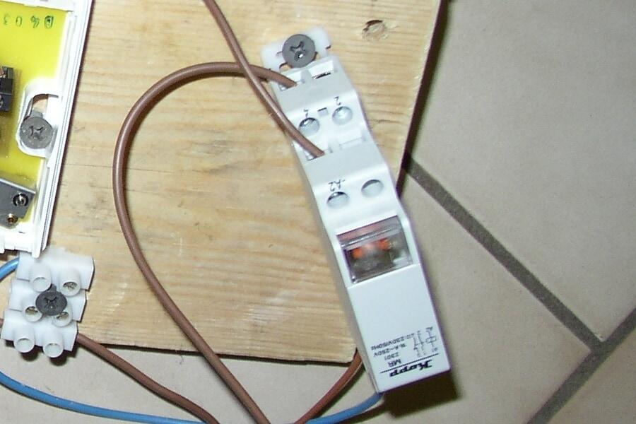 Zeituhren schonen oder auch zeitversetzte Beleuchtung mit dem Stromstoßrelais