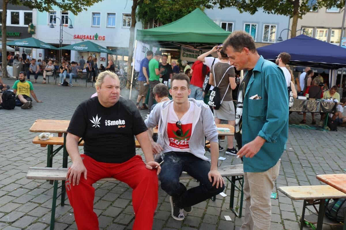 Chillige Vernetzung mit Jan Ingensiep von der SPD für die Legalisierung