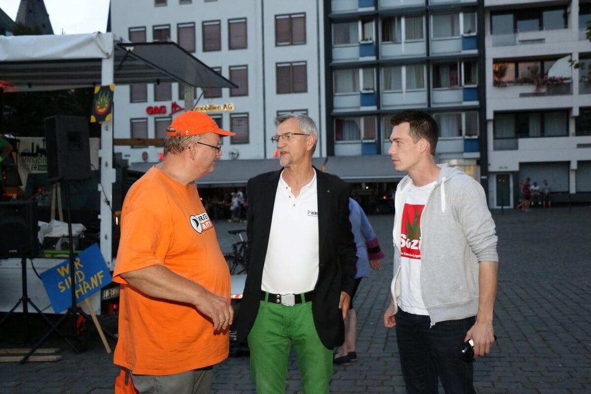 Piraten, Grüne und SPD auf er DaPa 2016 für die Legalisierung von Hanf