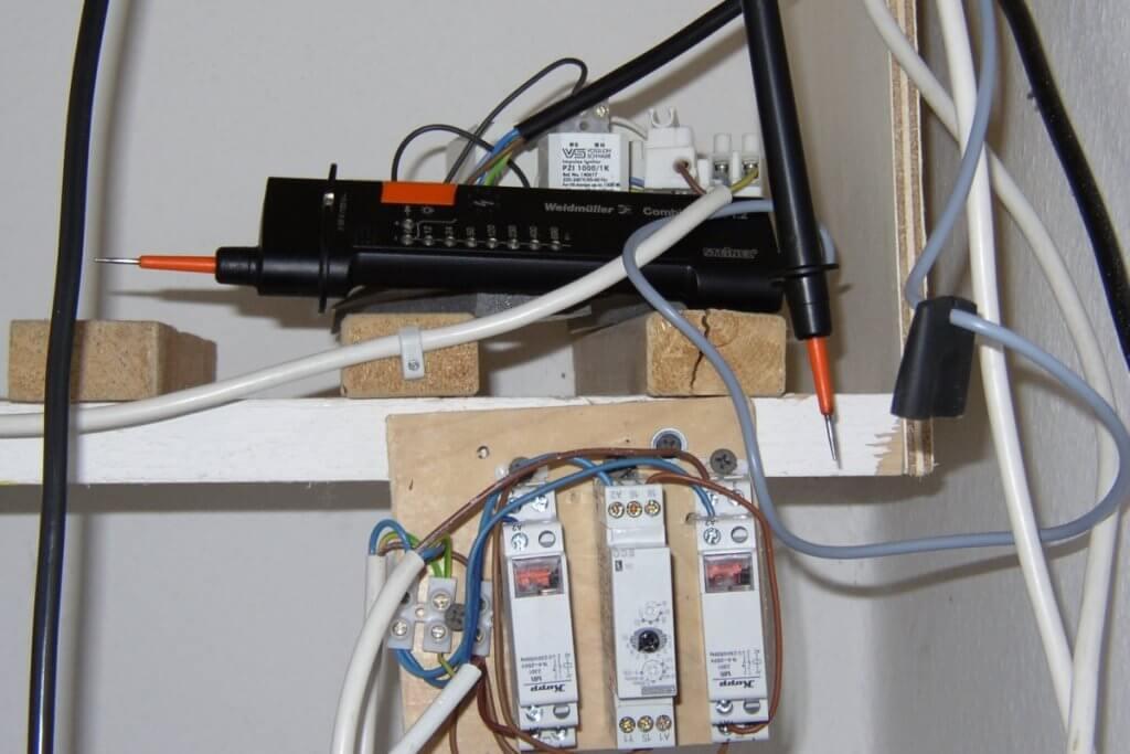 Die etwas komplexeren Stromrelais Schaltungen