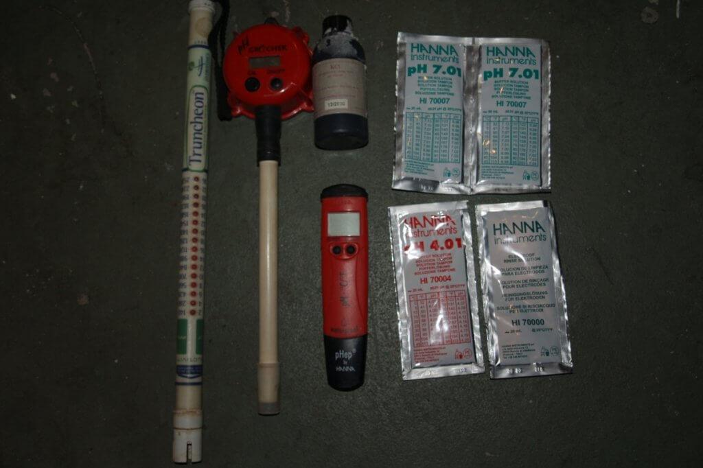 Geräte zum Wasserwerte messen