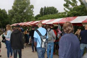 Viele Marktstände auf dem Hanfbefreiungstag