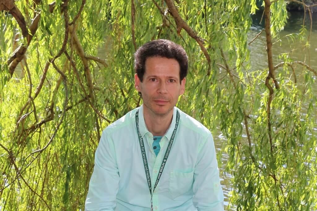 Dr. Hartmut Fischer als Buchautor von Das DMSO Handbuch