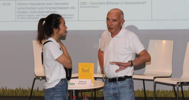 Mathias Bröckers vor seinem Vortrag